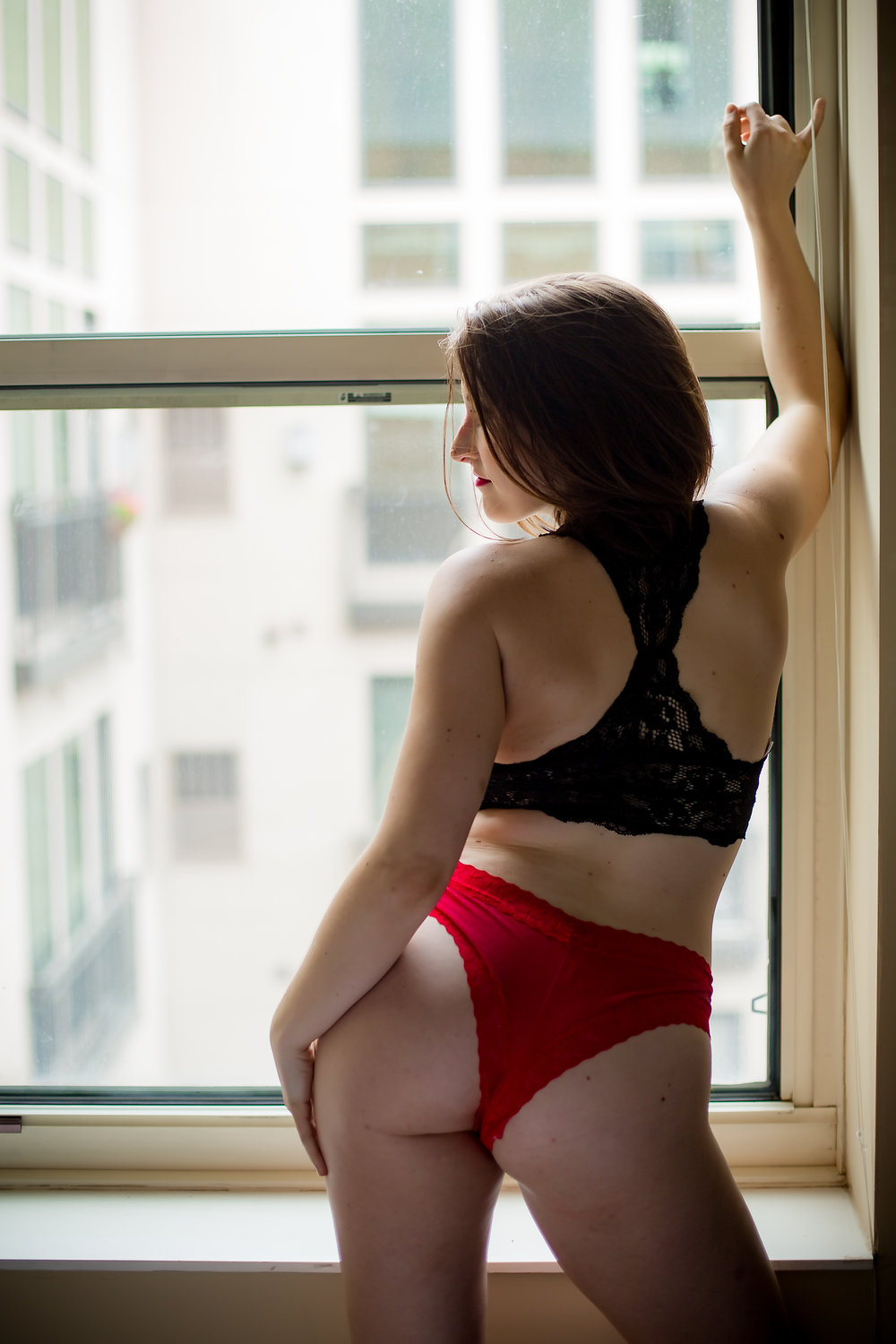 Check out the rest of Ivory's set by backing at http://patreon.com/hellapositive!