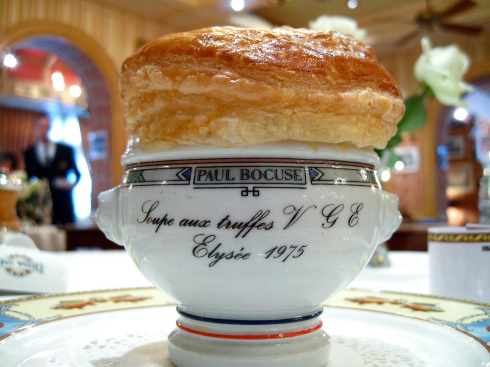 Soupe aux Truffes Noires V.G.E., plat créé pour l'Eysée en 1975