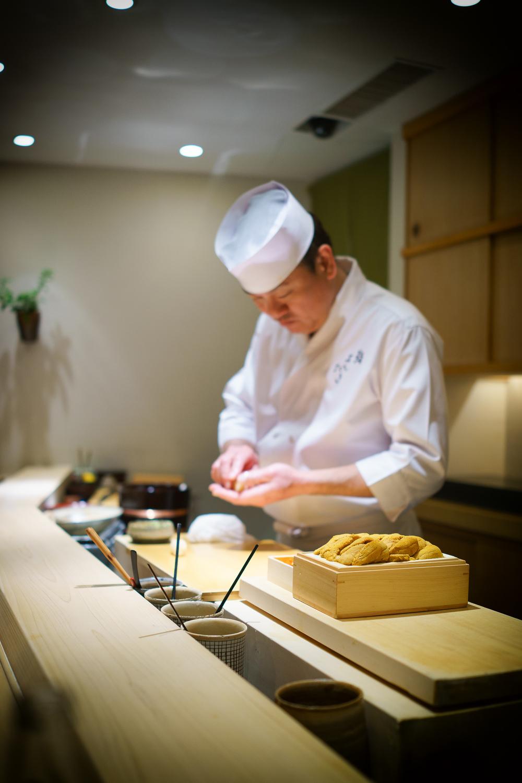 Chef Yoshitake and 2 types of Hokkaido sea urchin