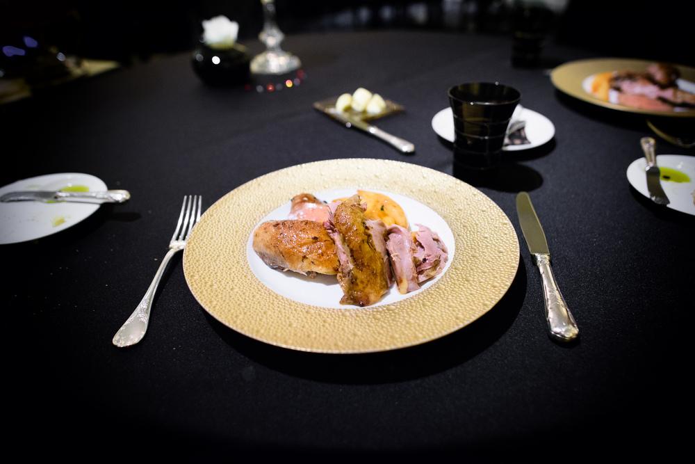 La Pintade fermière et foie gras rôtis, pommes de terre confit