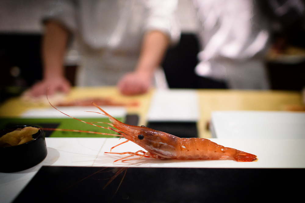 9th Course: Live botan ebi, jumping off the counter