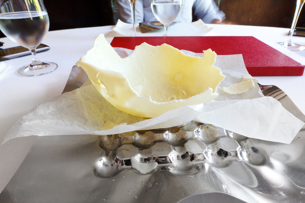 El Bulli, Spain - 9th Course: Gorgonzola balloon, cracked open