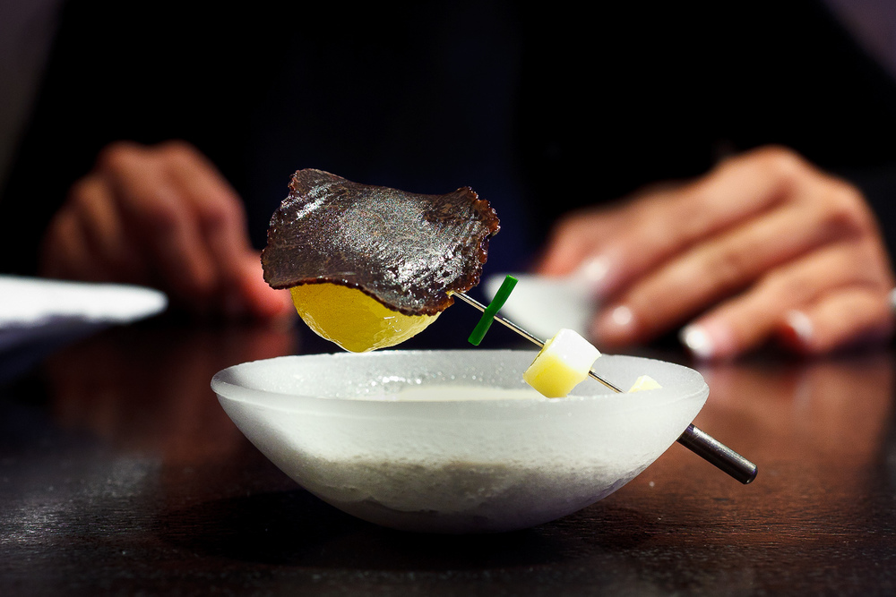 Alinea, Chicago - Hot potato, cold potato, black truffle, butter