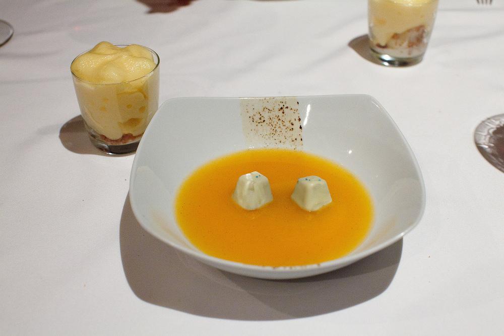 Biko, Mexico City - Agua de mandarina con bombones de zapote