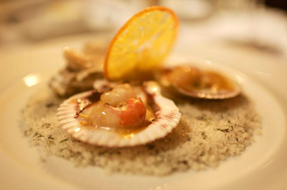 huîtres chaudes et pétoncles - citron vert et laid de coco