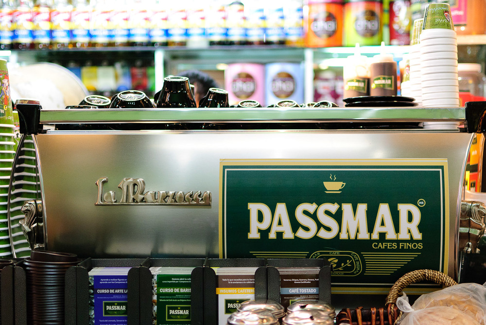 Cafe Passmar - La Marzocco in action