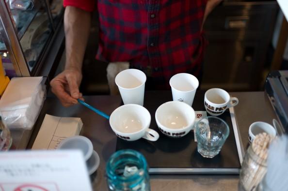 Bear Pond Espresso, Tokyo - Explaining cup sizes