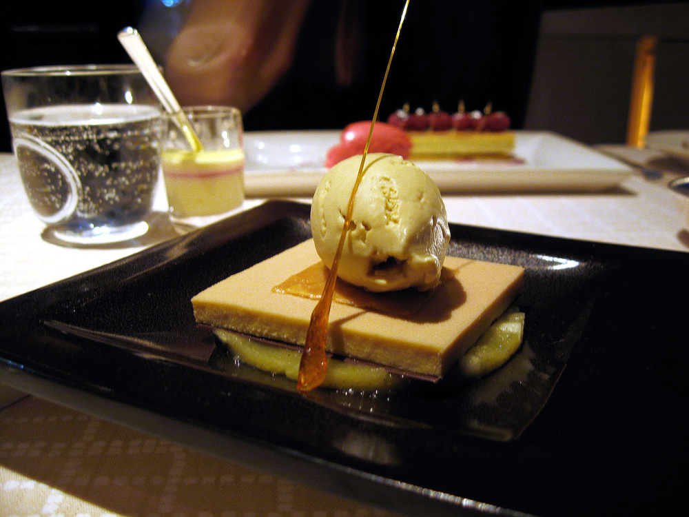 Beige, Tokyo - Roasted apple with chestnut ice cream