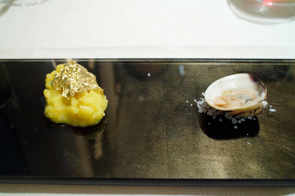 La Veduta, Osaka, Japan - Risotto d'oro al Hamaguri e sugo al zafferano