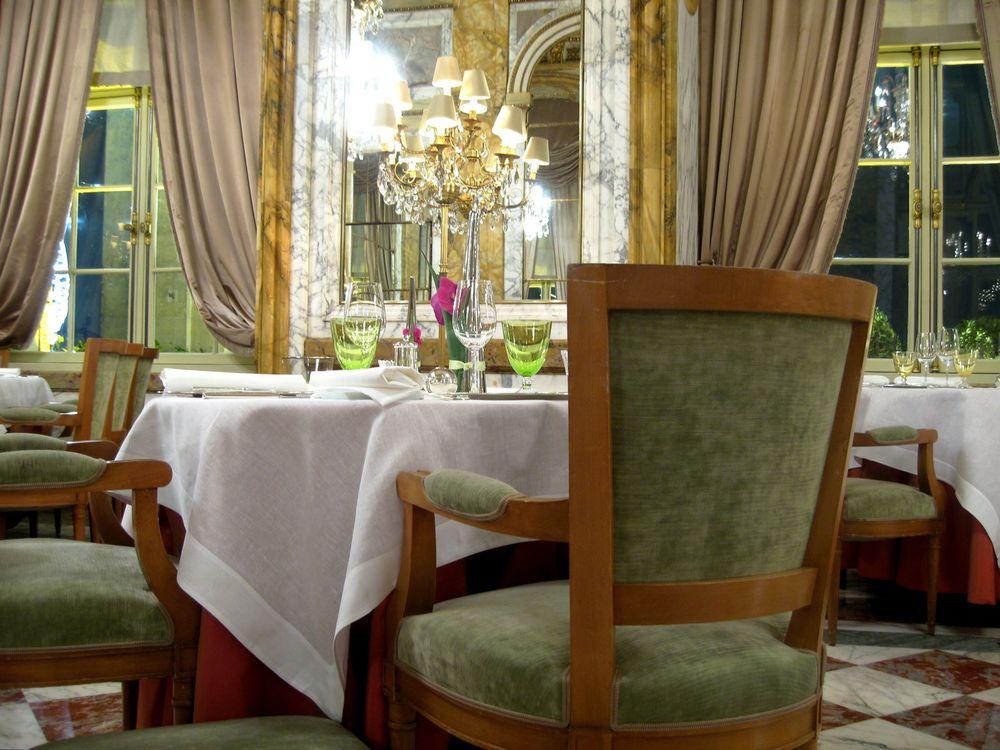 l'autre table