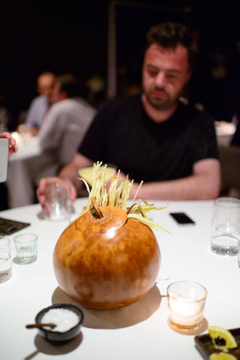 Amuse Bouche: Elotitos tatemados con mayonesa de café y polvo d