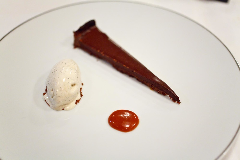 "L'Agapé - Chocolat Grand Cru ""Samana"" - Rébublique Dominicaine, vanille de Tahiti, caramel au beurre salé"