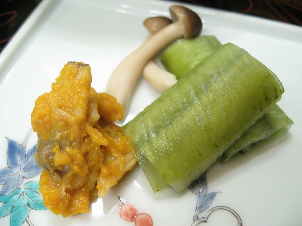 Clam, Shimeji Mushroom in Sea Urchin with Halfbreak, Cucumber, and Seaweed