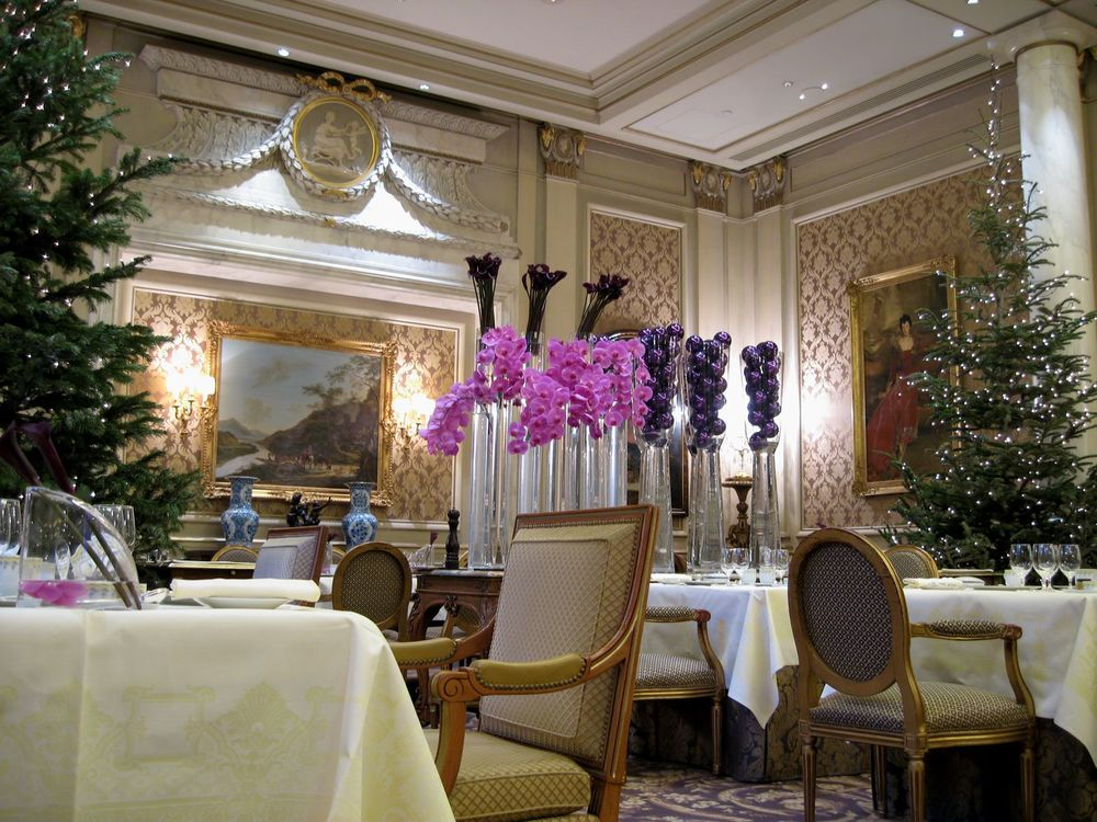 Le cinq a life worth eating for George v dining room