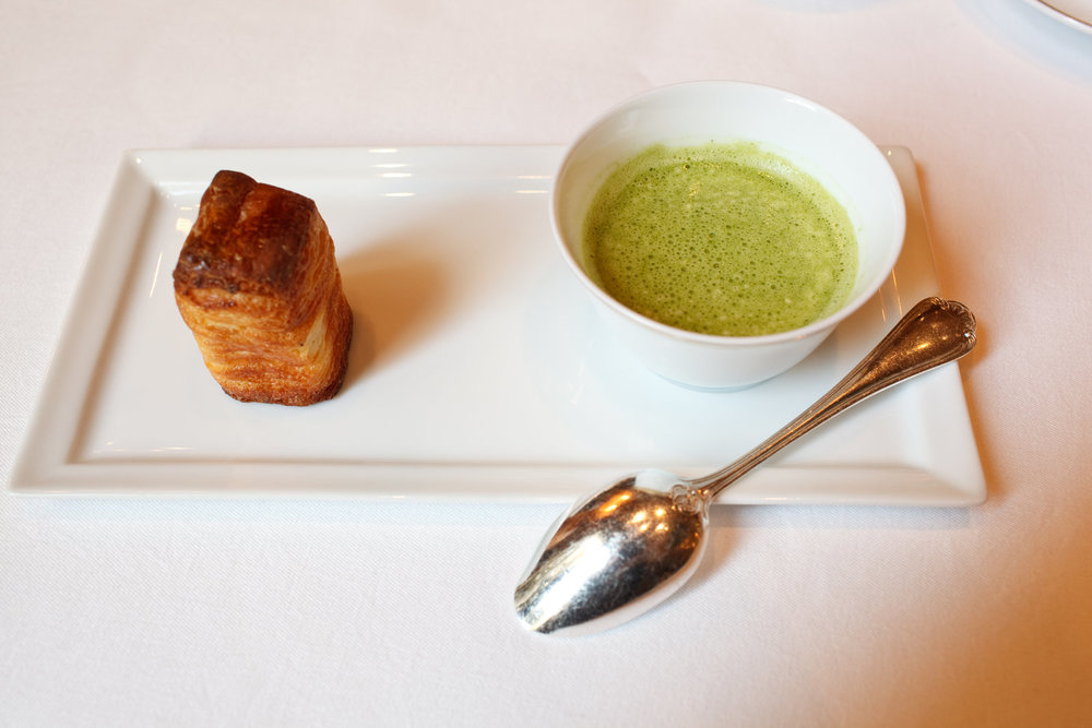 Le Cinq - Amuse Bouche - Watercress soup with Brioche