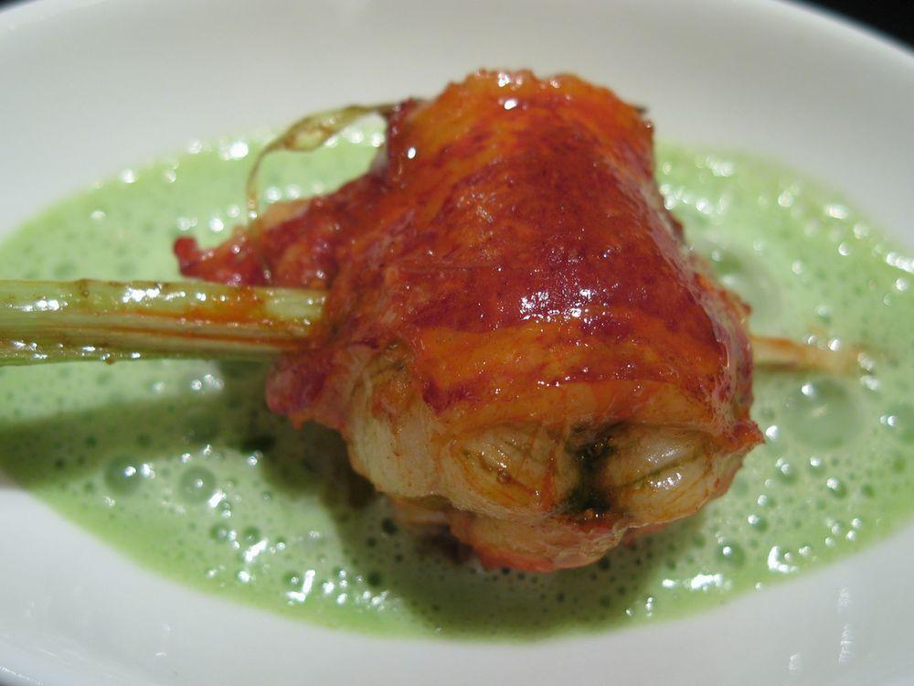 Les Crustacés - le homard rôti à la citronnelle avec une semoule végétale