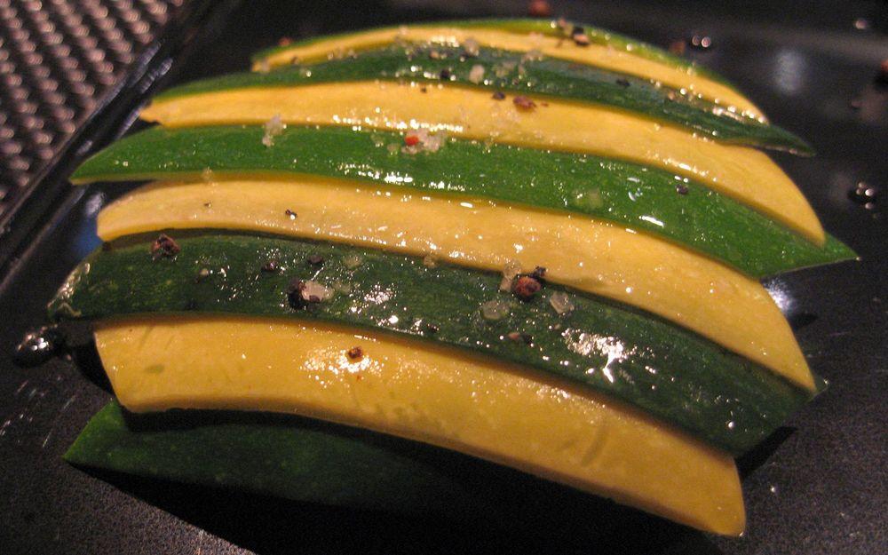 Les Legumes sur une tarte fine à la feta parfumes au sirop d'erable
