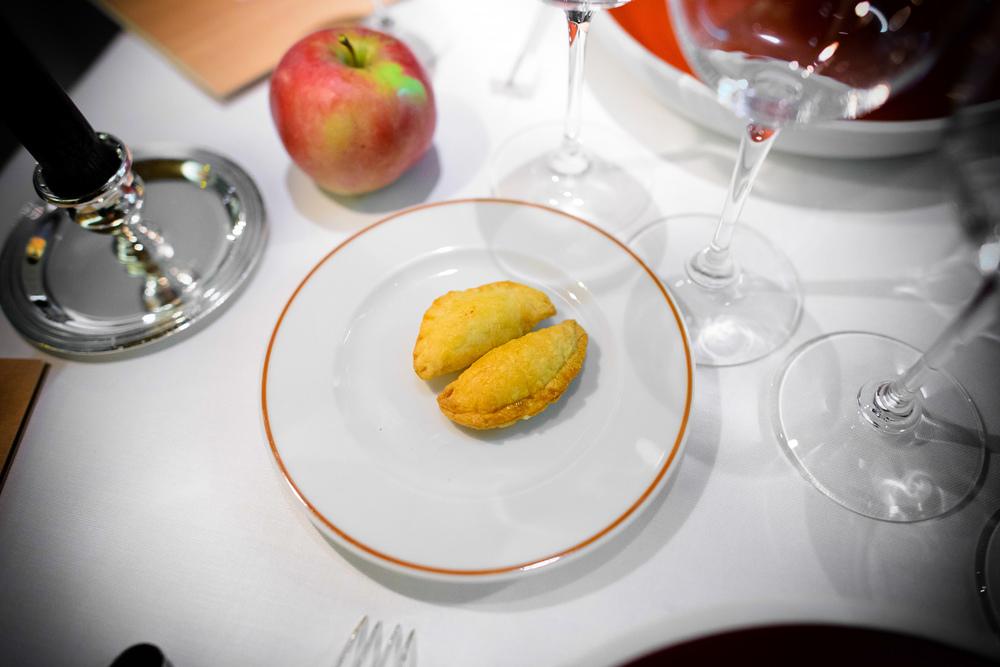 """1st Course: Coquetier """"Maison de Cuisine,"""" liqueur d'érable"""