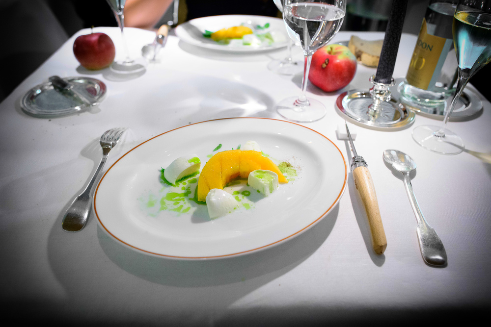 8th Course: Melon and buffalo mozzarela