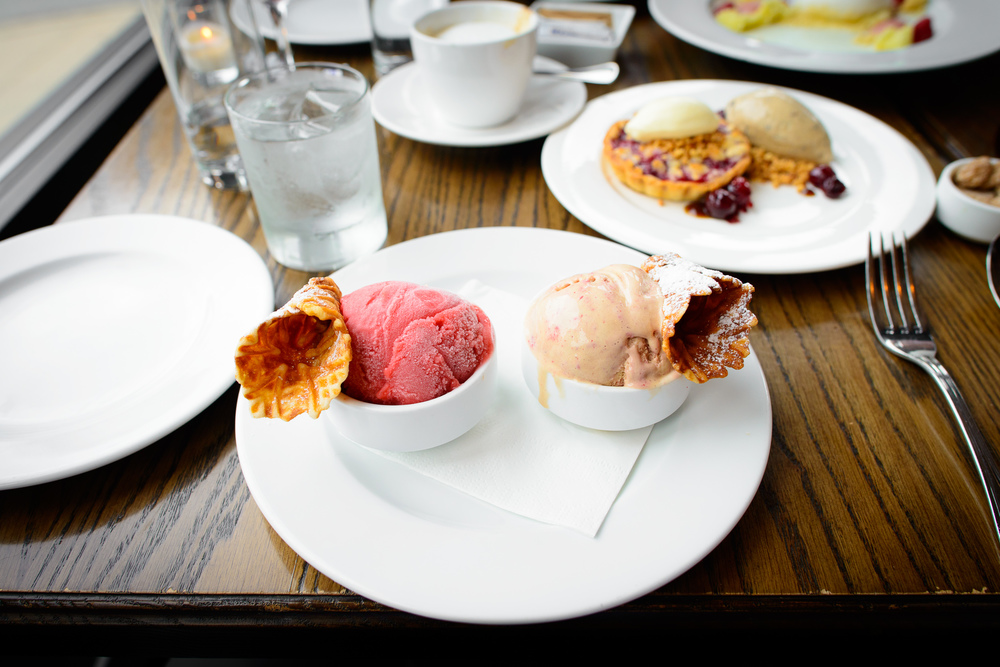 Bourbon caramel ice cream and strawberry sorbet with vanilla con