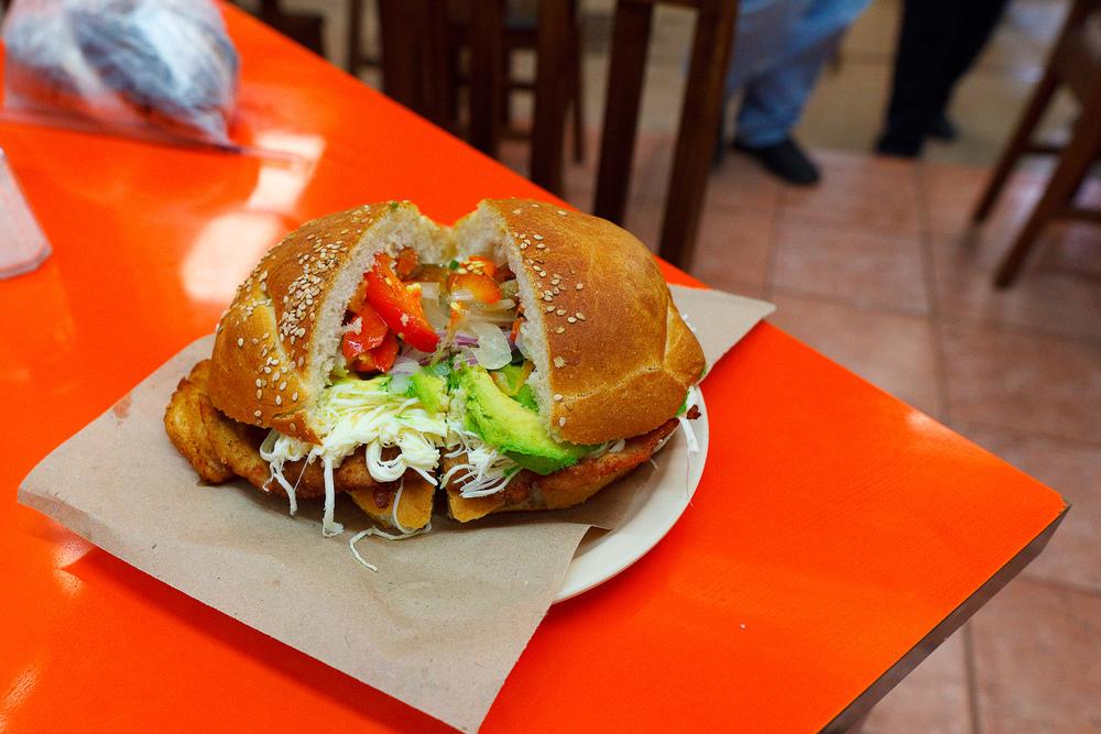 Cemita de rajas enchiladas ($40 MXP)
