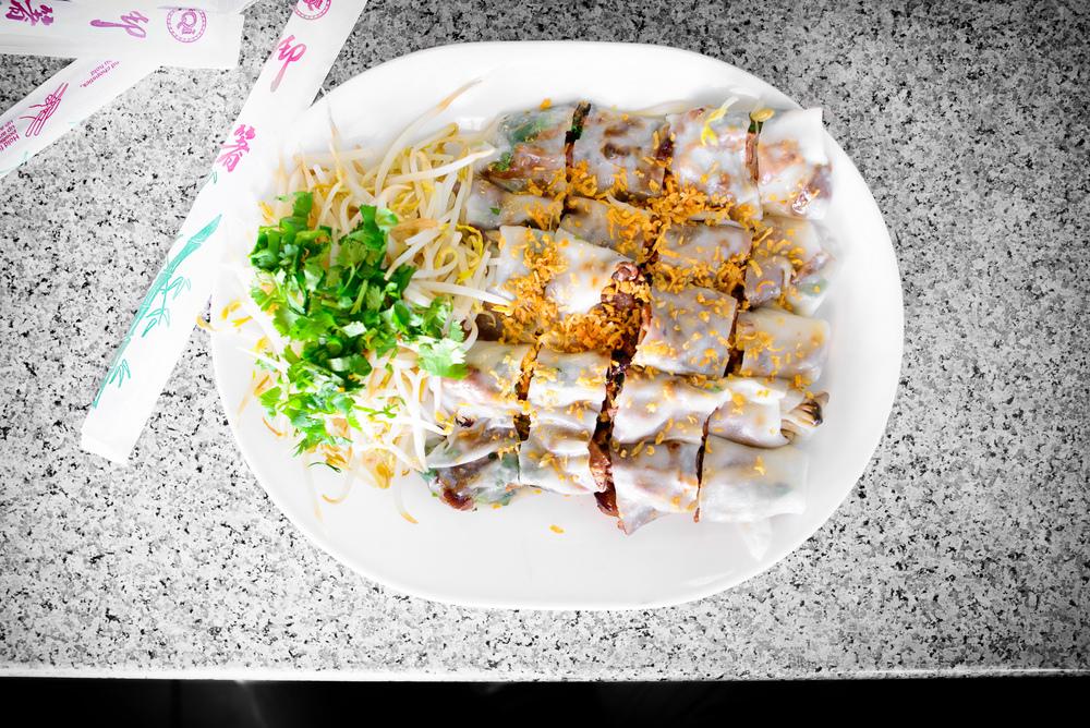 Bánh cuốn thịt nướng, steamed rice paper with BBQ pork (