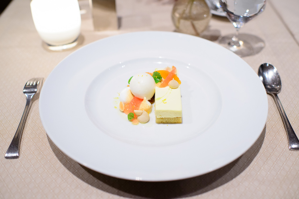 Torta di olio - ligurian olive oil cake, grapefruit, toasted mer