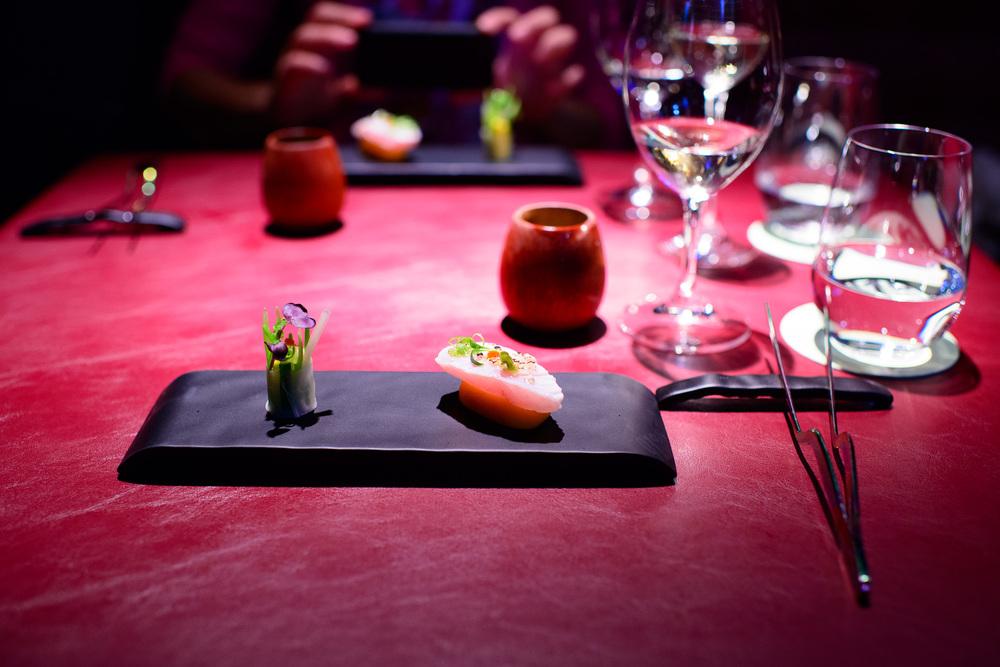 La Oausita con hamachi y su ensalada ordenada