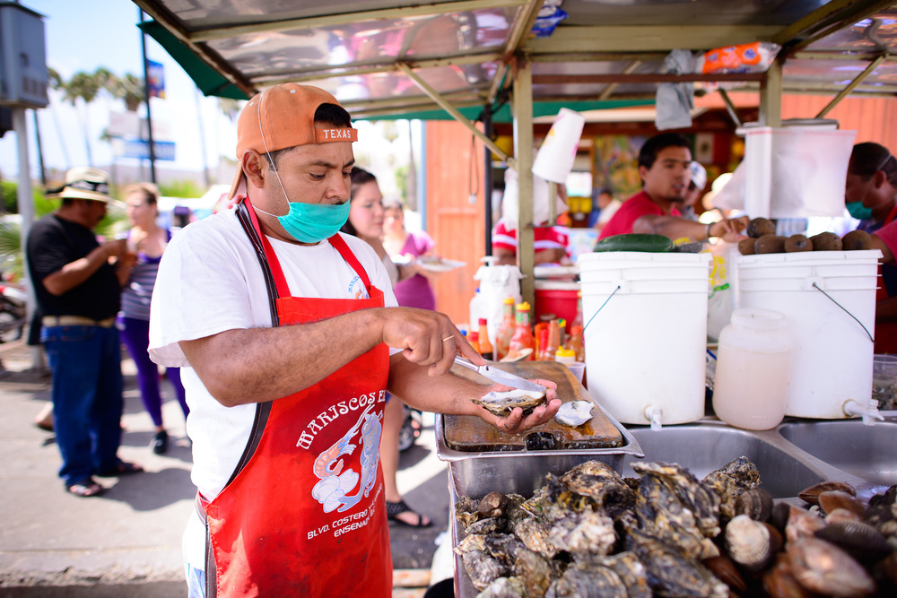 Shucking oysters from the Baja