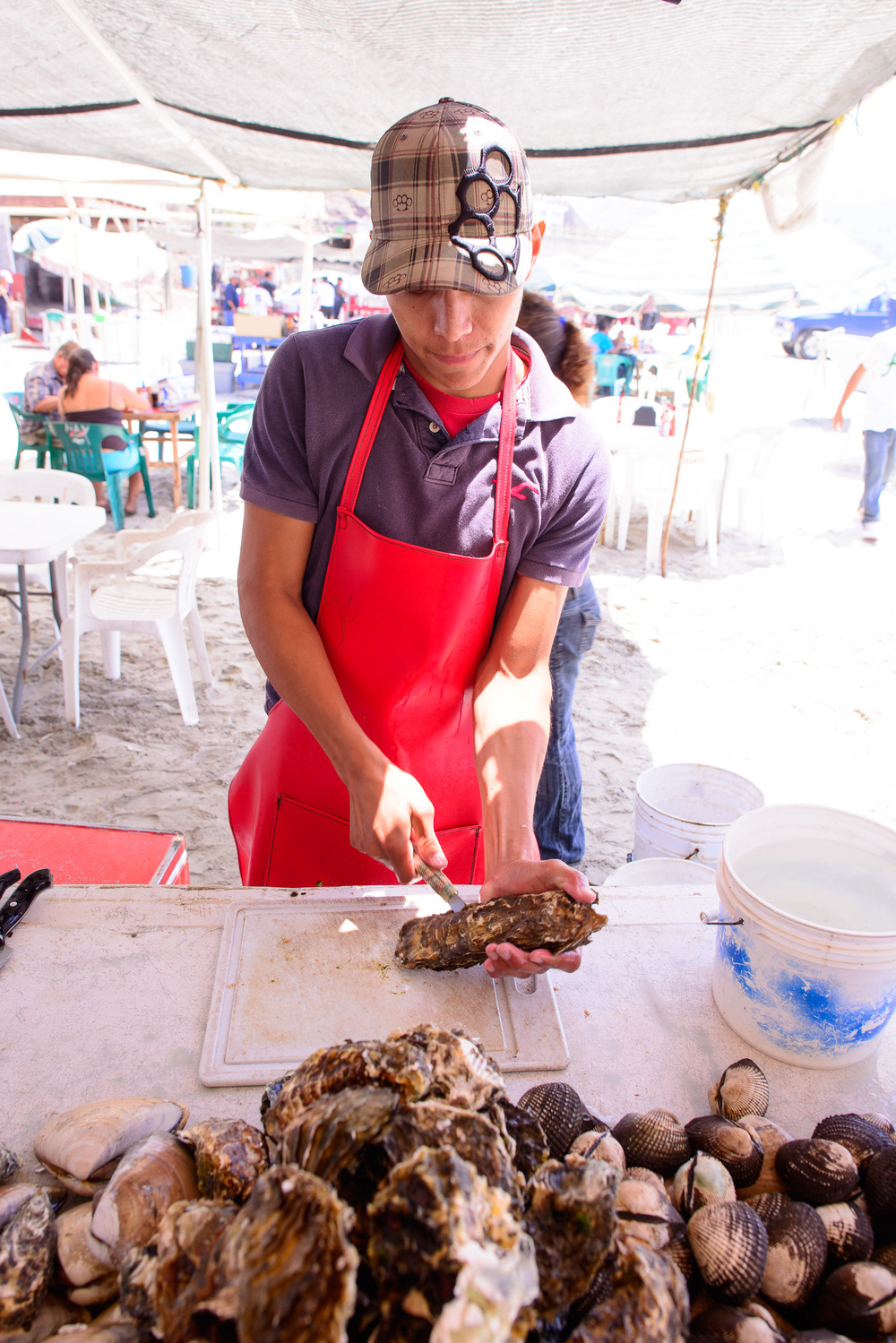 "Ostiones huarache (""sandal"" oysters)"