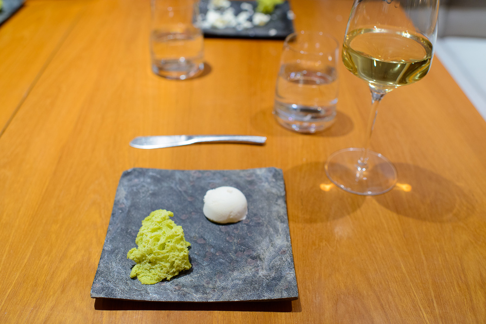 Amuse bouche 1: Springtime bread and butter, asparagus chiffon c
