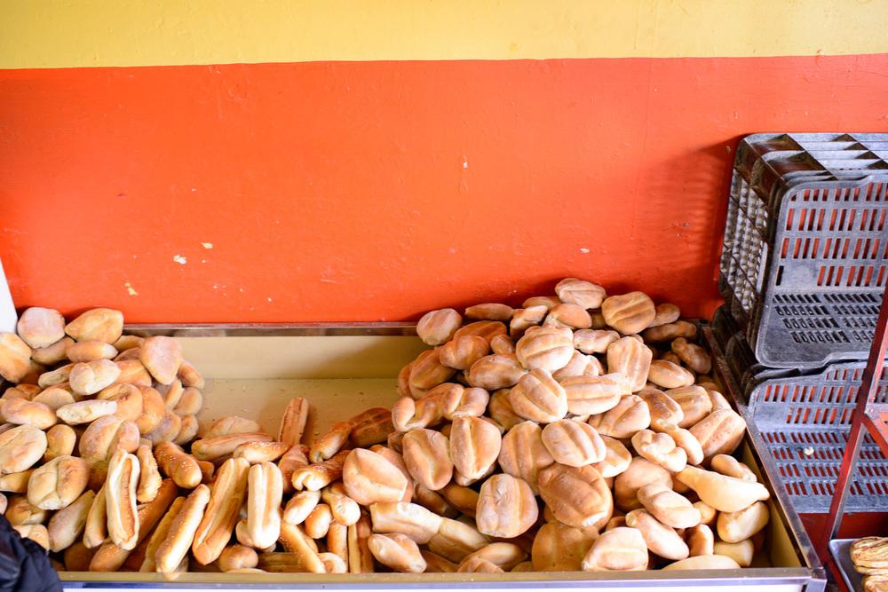 Pueblan breads: teleras, tortas de agua, y barra baguettes