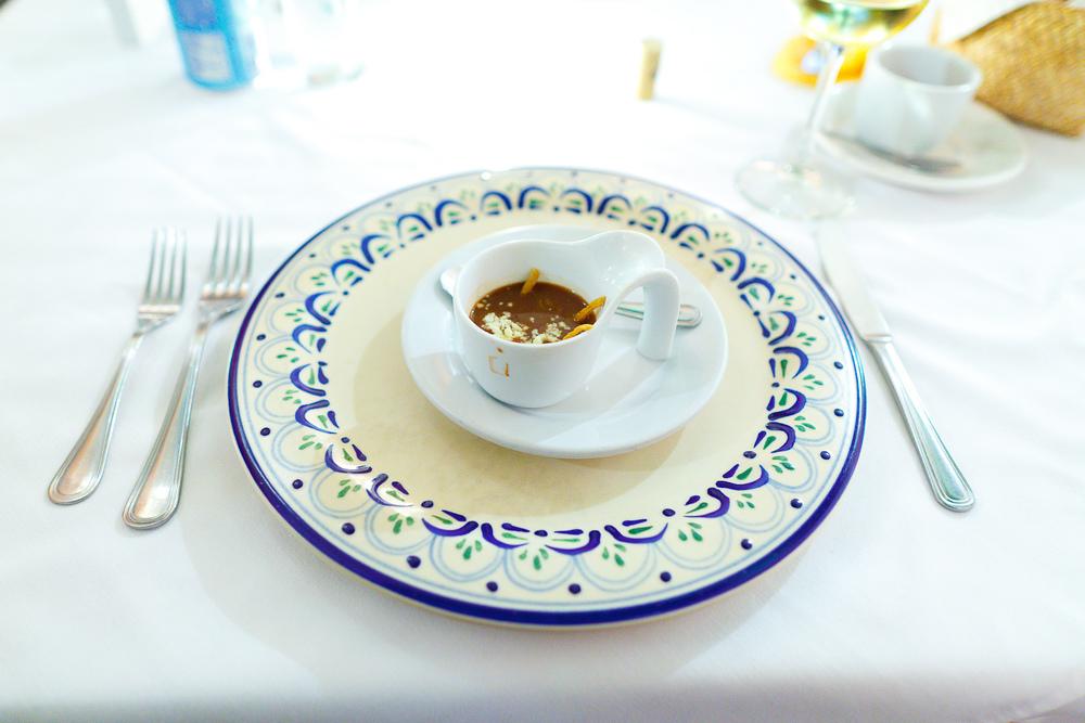 Sopa de frijol de Puebla (Bean soup from Puebla)