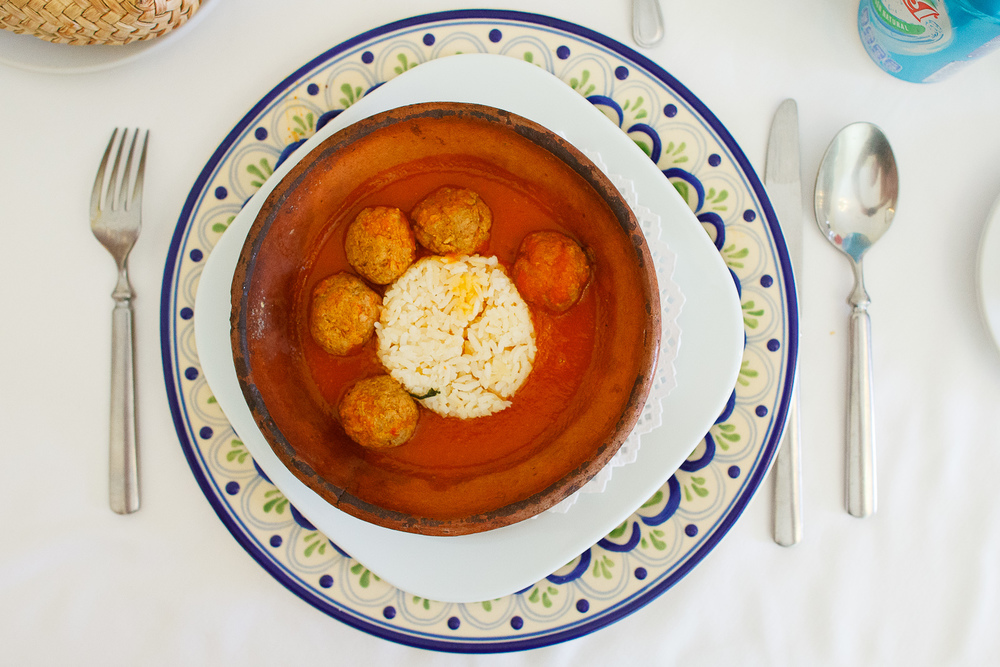 Albóndigas de res - típica receta de la familia a base de sals