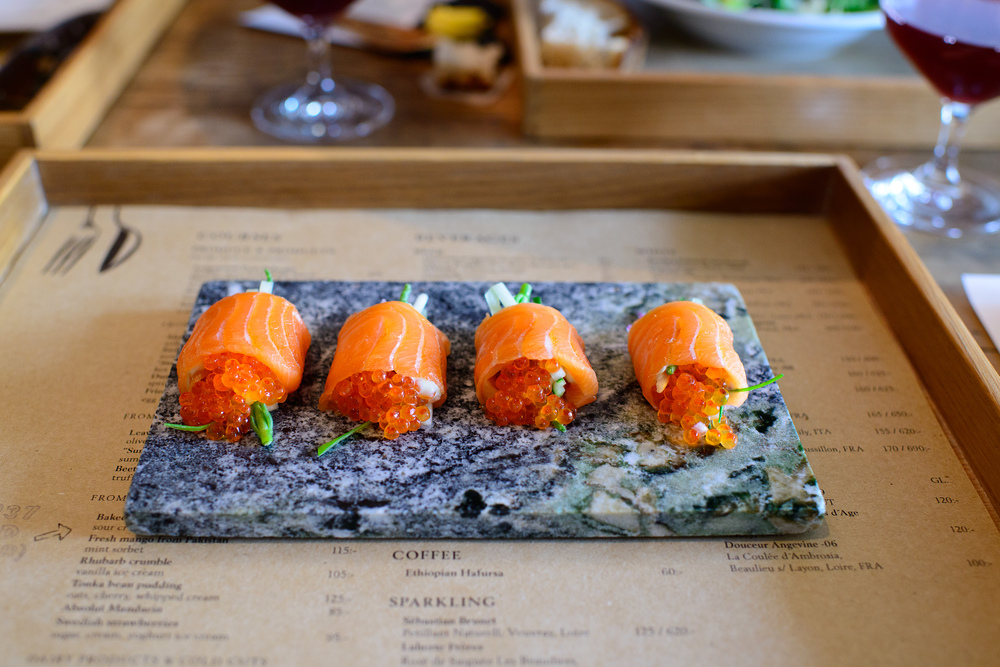 Sashimi of salma salmon, trout roe, wasabi, ginger
