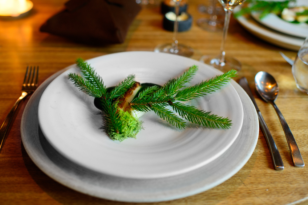24th Course: Asparagus and pine