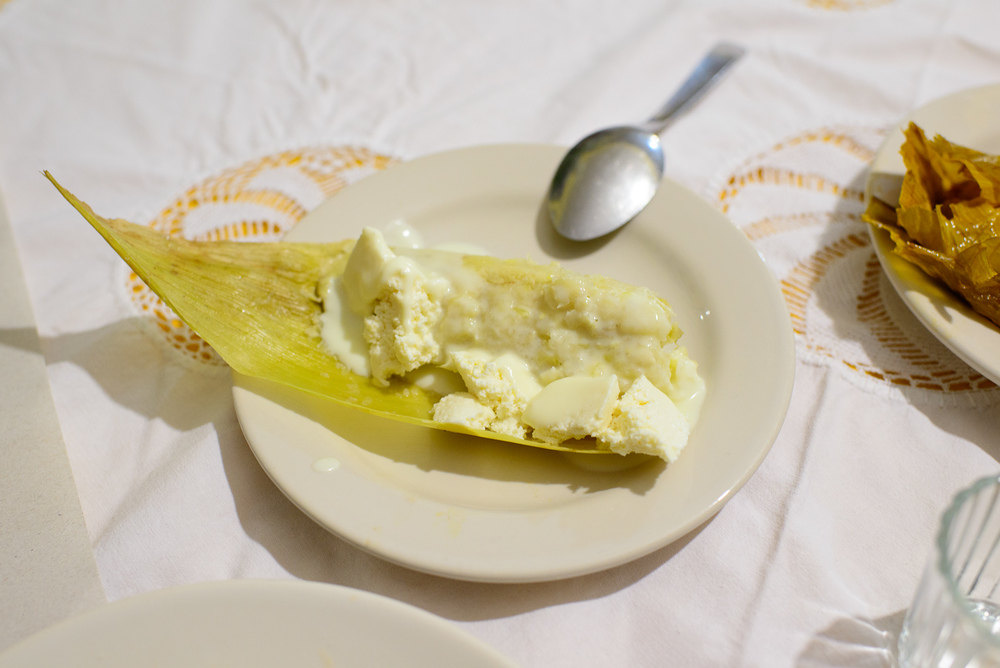 Tamal de elote con crema (Corn tamal, yogurt, fresh cheese)