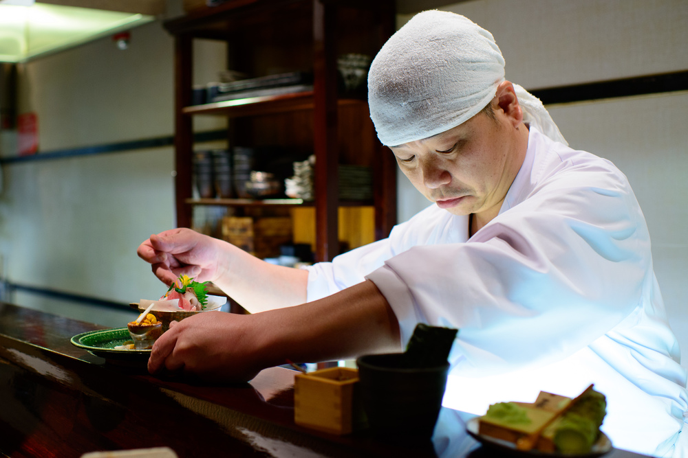 "Chef Chikara Sono preparing his ""otsukuri""  sashimi selection"