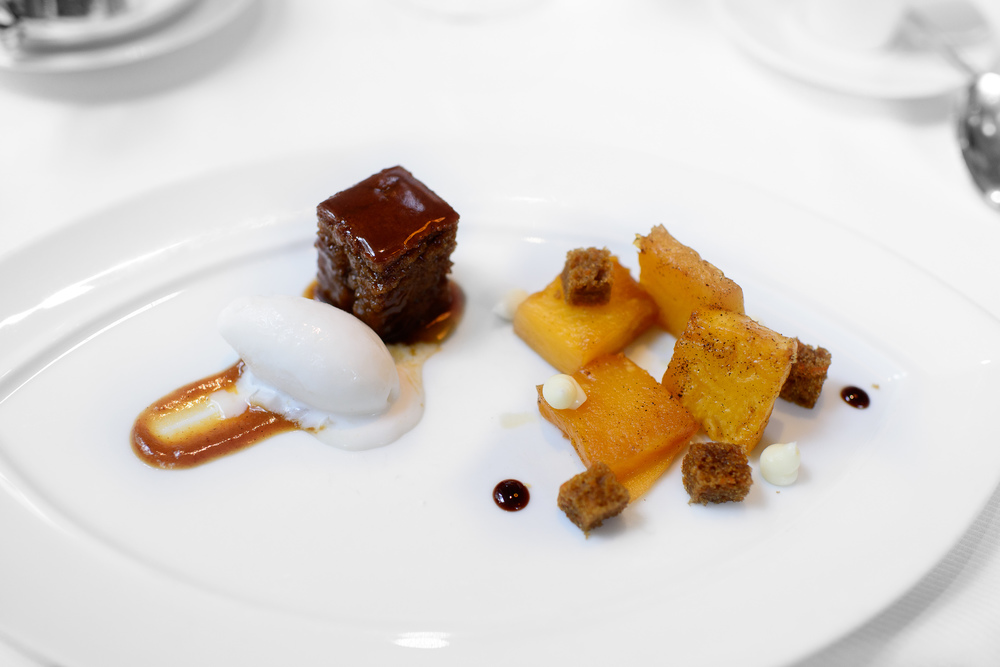 Caramel - caramelized pineapple, carrot cake and molasses, stick