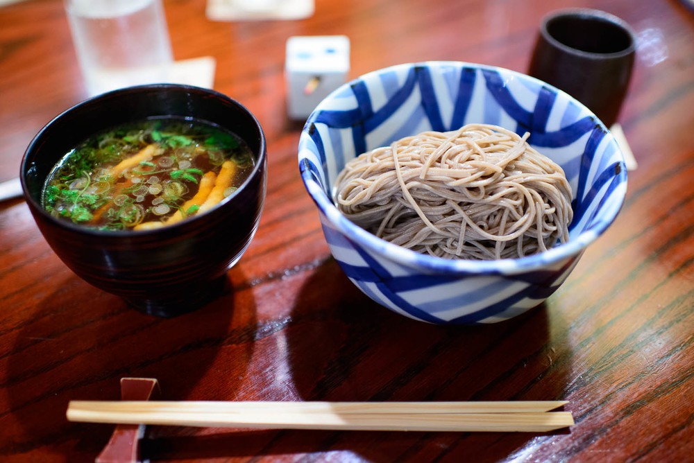 Kamo tsuki soba - chilled buckwheat noodles with hot duck dippin