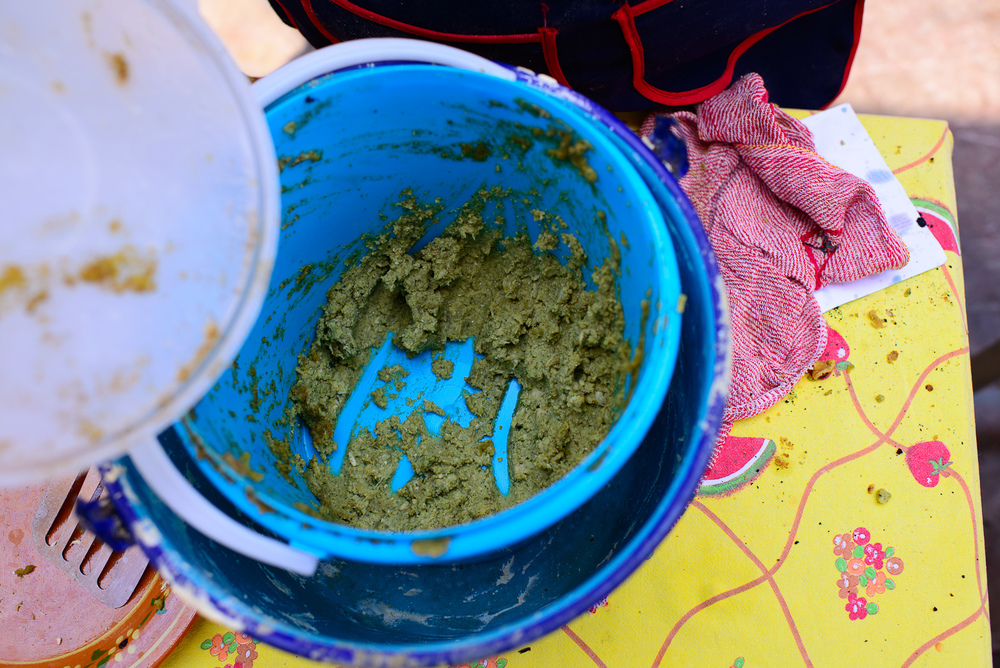 Estufado para los clayoyos de hoja de aguacate y papa