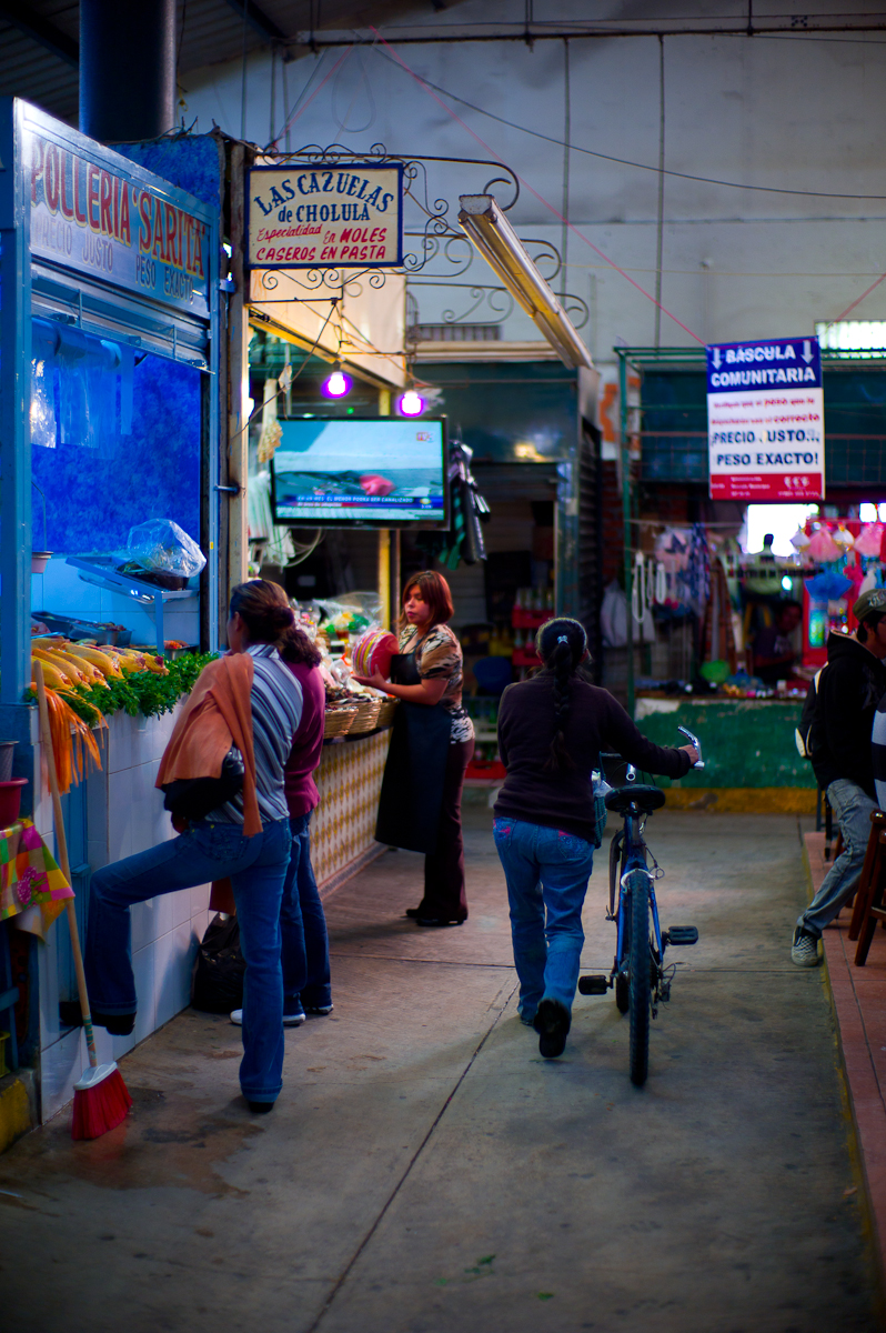 Storefronts at the Cholula Central Market