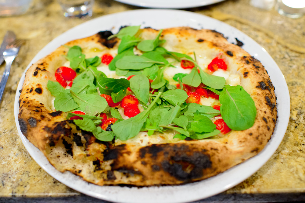 Pizza Filetti - Fresh cherry tomatoes, buffalo mozzarella, extra