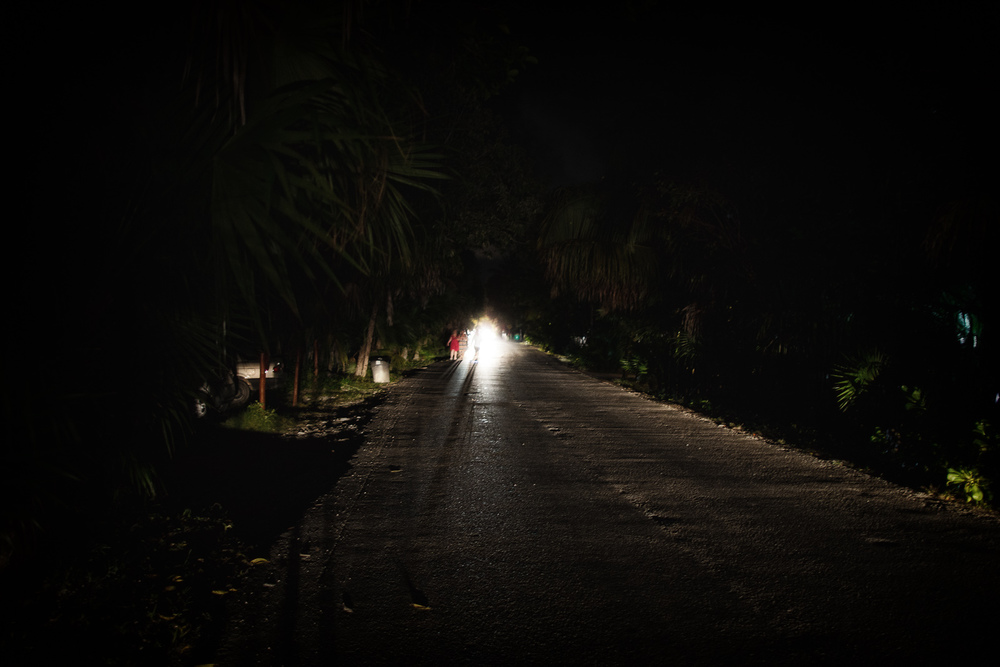 The dark, quiet walk to Casa Banana