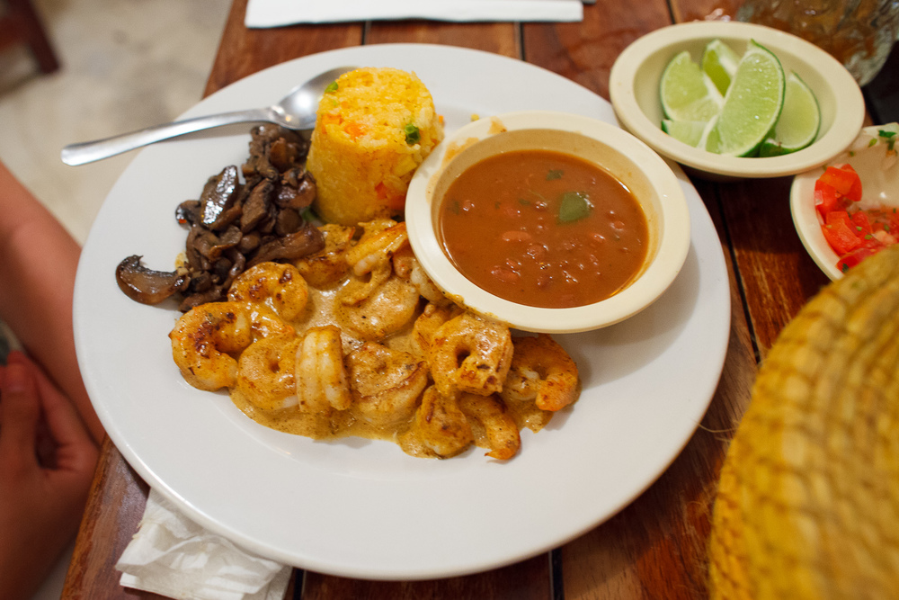 Camarones kamikaze - asados y cocinados en una salsa picante de