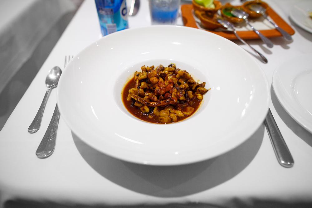 Aguachile de calamar asado a la plancha con chile cascabel y de árbol estilo Nayarit (grilled octopus aguachile with cascabel pepper) (140 MXP)
