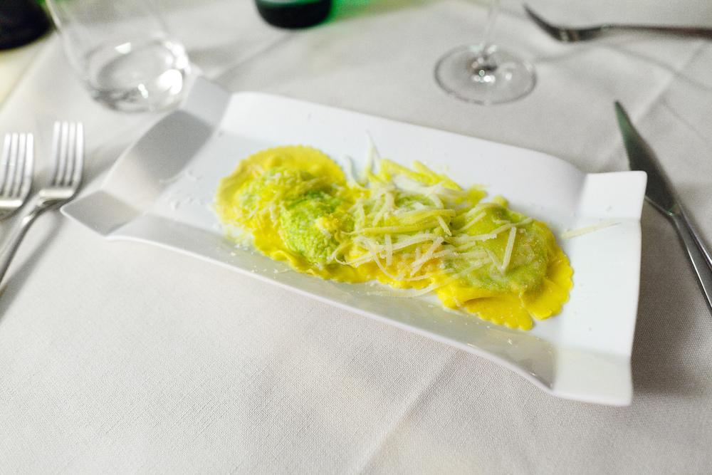 Ravioli di ricotta del pastore ed Erbette di Campo - ravioli with ricotta and Shepherd's Field herbs (8€)