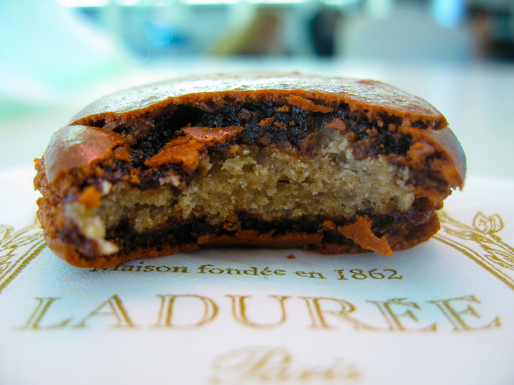 Laduree pain d'épice (gingerbread) macaron