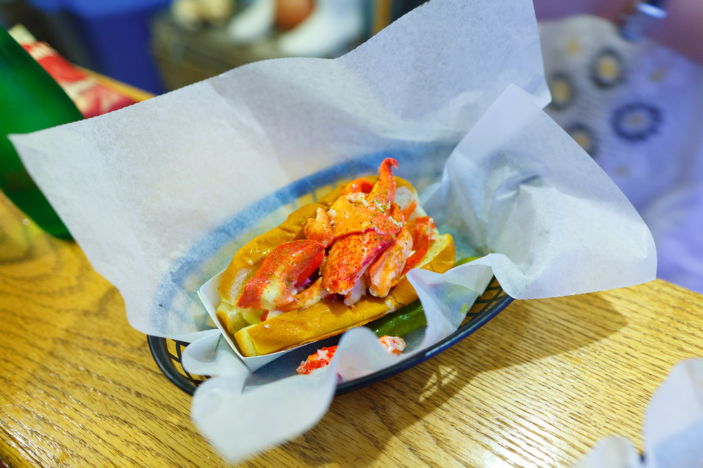 Lobster roll ($16)