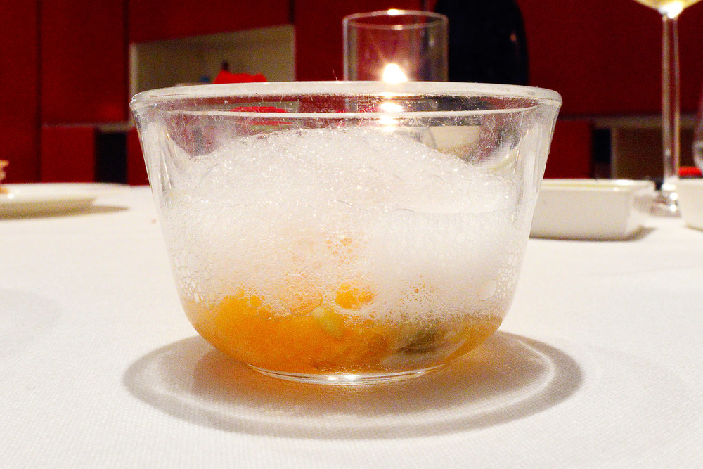 Amuse bouche: Melon and clam